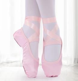 Balletschoen roze satijnen lint