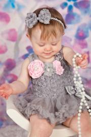 Jurk met roosjes LUXE grijs + haarband