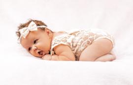 Newborn kanten pakje creme/ivoor strik + haarband