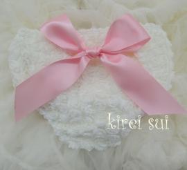 Luierbroekje romantische roosjes ivoor met roze strik