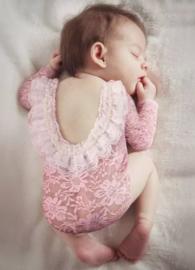 Newborn kanten pakje roze met parels *