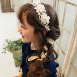 Haarband creme bloemen met parels
