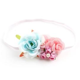 Haarband roosjes in aquablauw met roze + parel