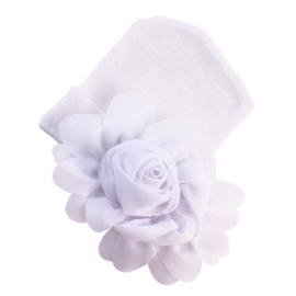 Baby mutsje wit met bloem