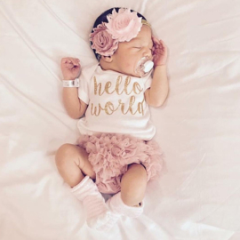 Newborn set, Hello World