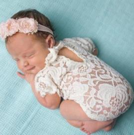 Newborn kanten pakje wit + haarband roze