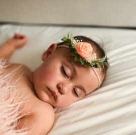 Haarband bloem romantisch perzik