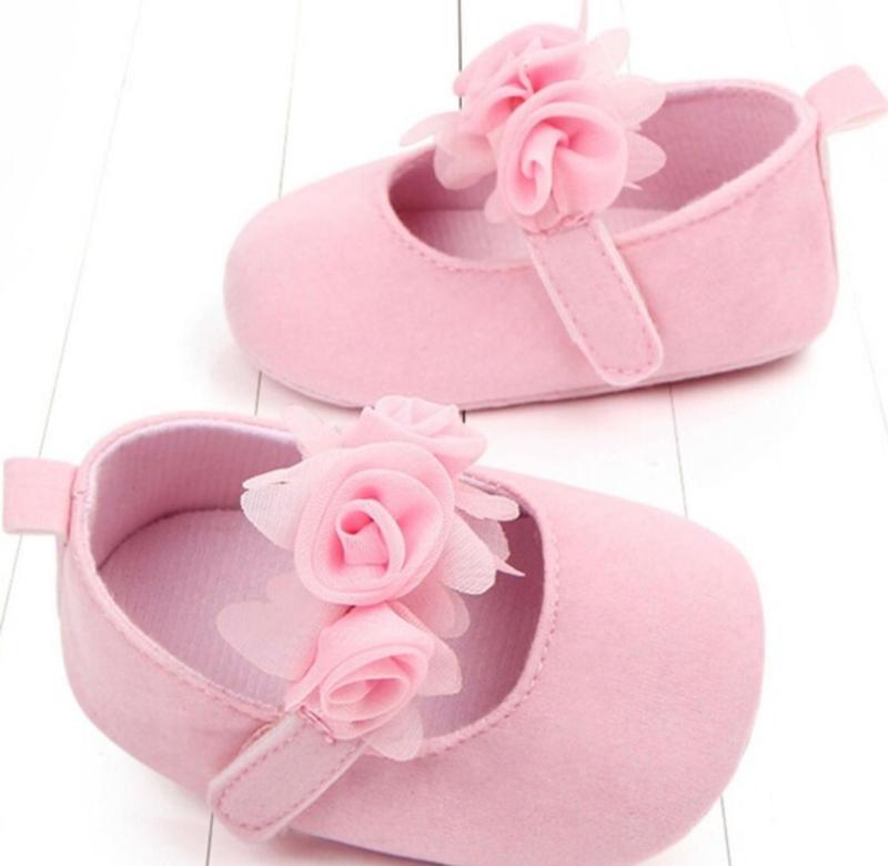 Babyschoen roze met roosjes