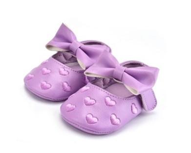 Baby schoen PAARS met strik en kleine hartjes, maat 12-18 maanden