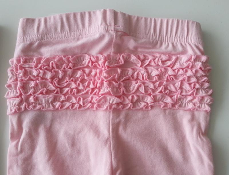 Baby legging Roze rouches (mt 68)