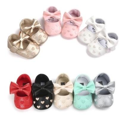 Baby schoen BLAUW met strik en kleine hartjes, maat 12-18 maanden