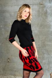 Ronde hals trui 3/4 mouw zwart  / rode streep