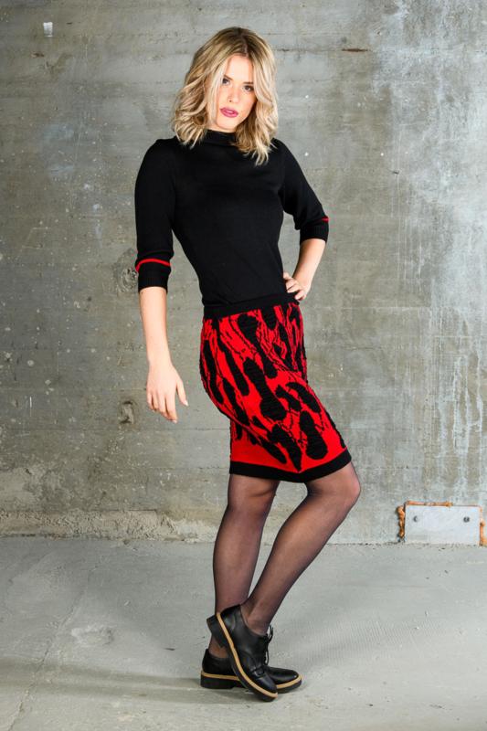 Skirt Tiles red / black