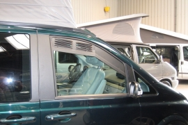 Airscreen / Ventilatieroosters set cabine Mercedes Vito/Viano na 2003