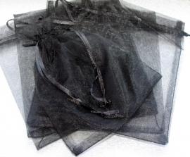 ORG.06A Organza tasje 16x13cm. zwart per 5 stuks