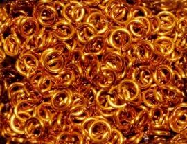 aluminium oranje1.2x4.0mm. (gezaagd)