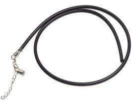 OND514 rubber koord ketting met platinumkl. sluiting en verlengkettinkje lengte 43cm.