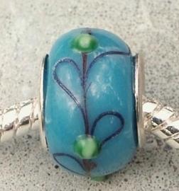 EB0284 Glasbead blauw met bloem motief