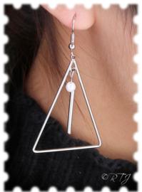 RTJ-094 Oorhangers met geometrische triangel