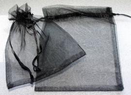 ORG.06 Organza tasje 16x13cm. zwart per 2 stuks