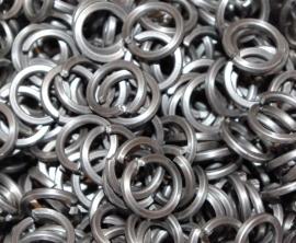 stainless steel met vierk. draad 1.2x5.2mm. (machinaal)