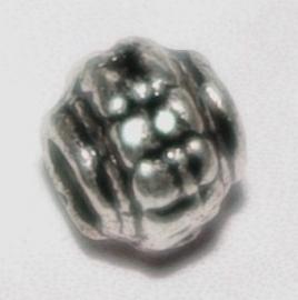 MK049 ant. met. tussenkraaltje saturnus 5mm.