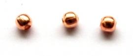 MK135 rosé goldplated ronde kraal 4mm. rijggat 1mm. per 10 stuks