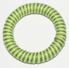 OND408green handgeweven waxkoord ring-connector 40mm. l.groen/d.groen p.s.