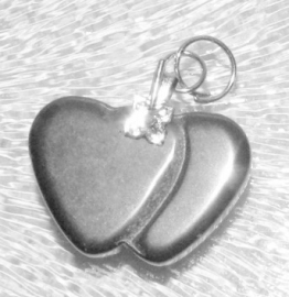EK087  hematite pendant Two in one Heart incl. bail 15x22mm.