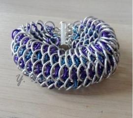 Dragon Scale armband en silverplate hanger in een gecombineerd patroon. Ingezonden door Yvonne