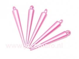 spikes roze gekleurd kunststof  36x5.5mm. oogje 2.2mm. zakje 10 stuks