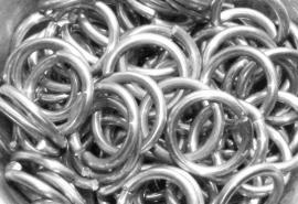 aluminium glanzend 2.4x13.2mm. (machinaal) 100st.