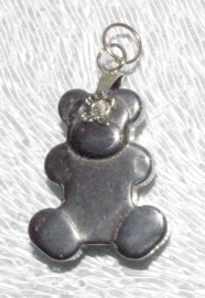 EK083  hematite pendant Lovely Bear incl. bail 23x19mm.