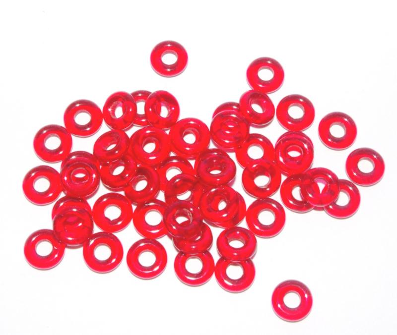 TGK094 Tsjech. glasringen ruby red 9.5x3.5x3.0mm.