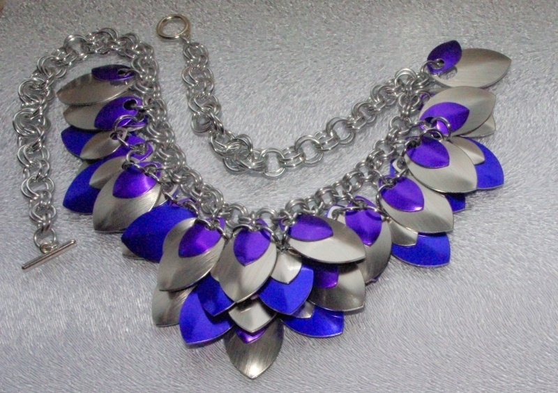Insp.060 Ketting in Bright Silver met grote en kleine schalen