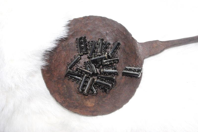 OND331 tube schuifsluiting black ice plated 3-rijen (magnetisch)