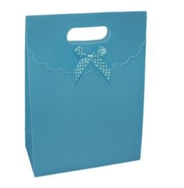 Cadeau verpakking blauw met strikje stippen
