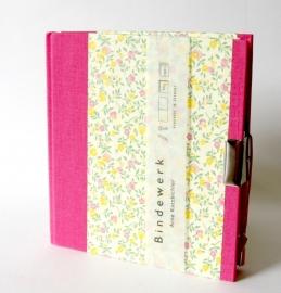 Dagboek met slot Flower Power Rain roze