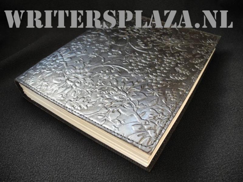 Paul-Francis leren Kamperfoelie Dagboek 23x19 cm Zwart