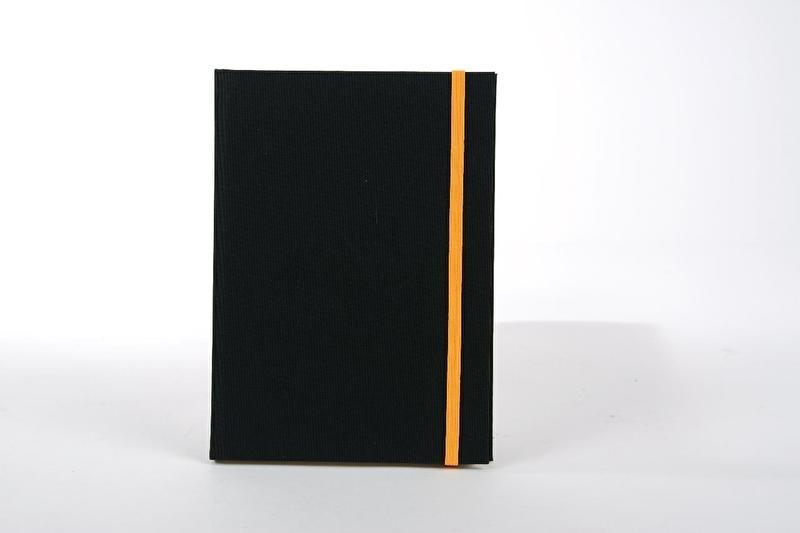 Goldbuch Linum gebonden blanco Notitieboek 15,3 x 21,5cm Zwart linnen