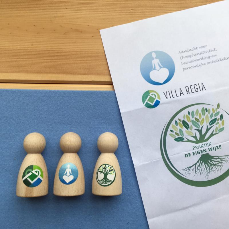 Poppetjes met logo