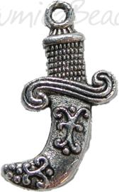 00456 Bedel dolk Tibetaans zilver 20mmx16mm