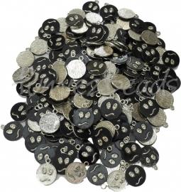 Mix-0027 Mix bedel smiley Antiek zilver/zwart  22mmx18mm ±400gram