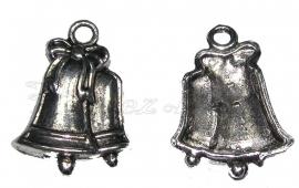 01487 Bedel kerstbel dubbel Antiek zilver (nikkelvrij) 22mmx16mmx3mm