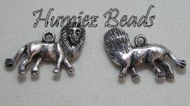 02319 Bedel leeuw Antiek zilver (Nikkelvrij) 25mmx14mm