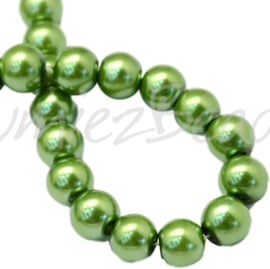 04030 Glasparel Green 3-4mm; gat 0,5mm 1 streng ±30cm
