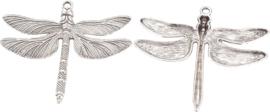 04493 Bedel Libelle Antiek zilver (Nikkelvrij) 63,5mmx72mmx5,5mm; gat 3,5mm 1 stuks