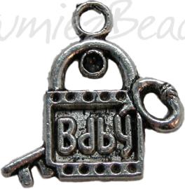 00445 Bedel slot baby Antiek zilver