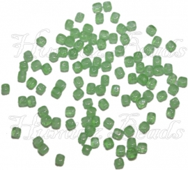 02842 Tsjechische glaskraal Groen 4mmx3mm 100 stuks