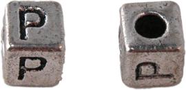 01168 Vierkante letterkraal P Tibetaans zilver 100 stuks